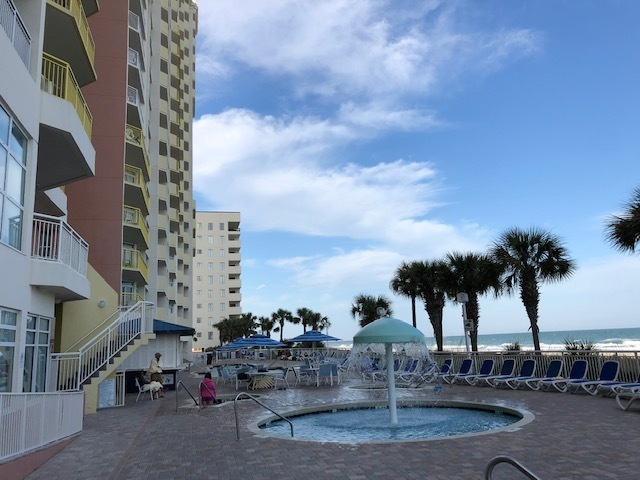 Beach Condo sleeps 4 adults - 610